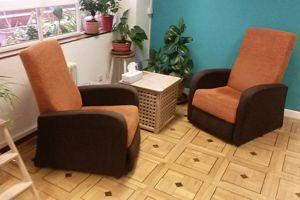 Atención Psicológica en sofá en Psicoterapia de Género para Mujeres en Madrid